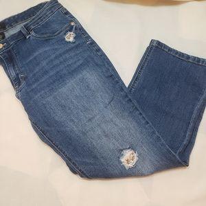 WHBM 5 pocket distressed crop leg Jean's, 12